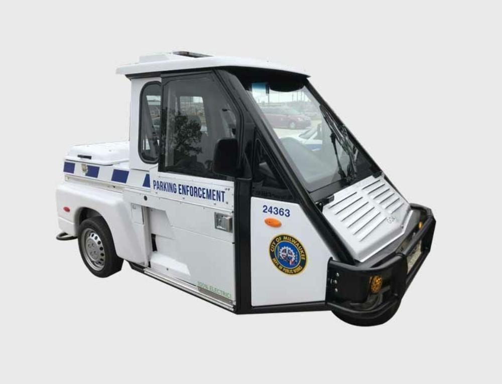 Milwaukee welcomes new GO-4 EV's
